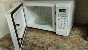 Microwave, Like New