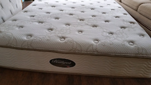 Queen mattress box 160$ delivery 40$  no stains, pet free