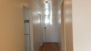 Nice Apartment 3 1/2 Heating and Hot water Included!514-709-5405
