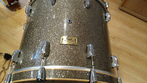 "Bass-drum Pearl Master Series Birch 22""x18"" Professionnel ...."