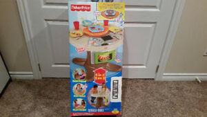 Brand New in Box - Fisher Price - Servin' Surprises Kitchen and