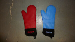 2 Starfrit Silicon Oven Mitt Mitts Glove Gloves Waterproof