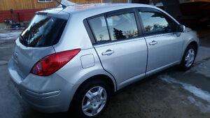 2011 Nissan Versa S -Low km, Well maintained, Carfax, New Winter