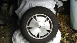 pneus d'hiver 195-65 R-15  à vendre