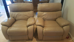 REDUCED!! 3 Piece Leather Powered Recliner Lounge Suite