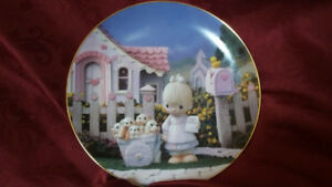 """PRECIOUS MOMENTS """"God Loveth A Cheerful Giver"""" Collector's Plate"""
