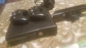 Xbox 360 console + Kinect + 2 Controllers + 7 Games