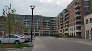 Oakville Condo Unit for Sale - 1 Bedroom + Den Oakville / Halton Region Toronto (GTA) image 1