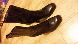 nine west women  ankle boots, size 6