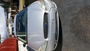 2005 Ford Taurus SE Sedan