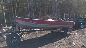 Aluminum boat with 25h mercury outboard
