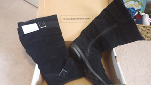 LADIES SIZE 8.5 BASS BOOTS-*NEW* $50 OBO