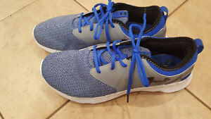 Mens Under armour running shoes sz 13 new