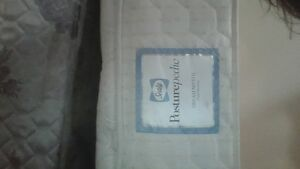 Queen size Sealy Posturepedic Mattress and Box`Spring