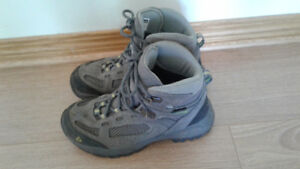 Size 2 boy's or girl's grey hiking boots, Vasque brand