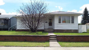 3+1 BD, House for Rent Delwood, 137Ave & 76St.