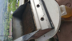 Garland 24 inch gas grill charbroiler. L.P. or N.G.