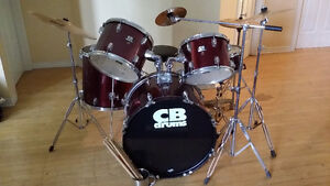 Compelet drum set