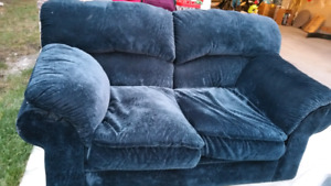 2 seats couch - free