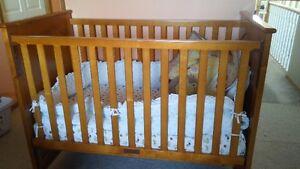 toddler crib w/ mattress