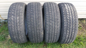 4 pneus d'hiver 215-55-18 Bridgestone Blizzak
