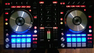 PIONEER DDJ-SR MINT Like New Rarely Used! With Case