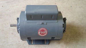 Like new 1/3 hp high efficiency Leeson furnace fan motor Kitchener / Waterloo Kitchener Area image 1
