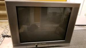 Toshiba CRT 27 inch pouces colour TV couleur