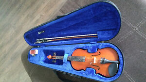 Violin 1/8 with bow and case