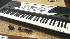 Electronic Keyboard 61 Keys Portable Piano MK980