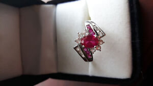 Beautiful Pink Sapphire/Diamonds ring