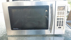 MICRO ONDES 1000 WATTS, MICROWAVE OVEN 1000 WATTS