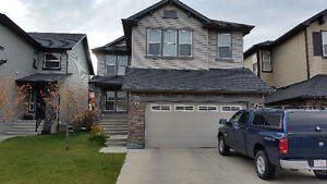 Large room with own bathroom and garage - Panorama Hills