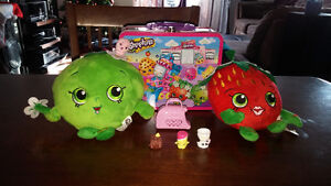 Shopkins figurines, plush toys and accessories for sale
