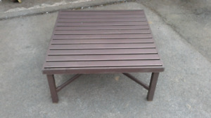 If reading ad item still available low profile Metal deck table