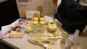 Freestyle double breastpump by medela