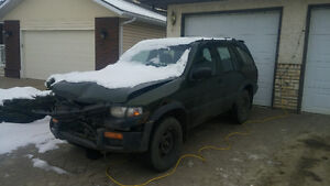 parting out 1997 Nissan Pathfinder SUV, Crossover