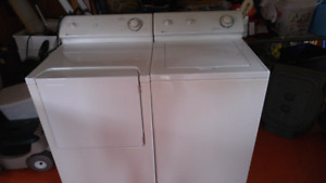 Laveuse secheuse maytag ultra propre