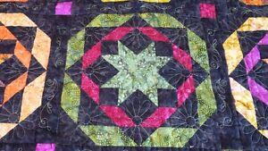 Courtepointe multicolore queen ou king Gatineau Ottawa / Gatineau Area image 4