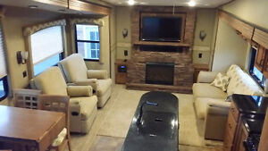 Camping in Luxury! Stratford Kitchener Area image 1