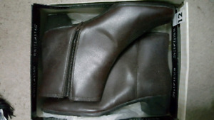 Women's ankle boots size 12