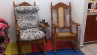 Two rocking chairs \  Deux chaise balancoire