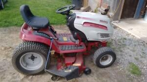 White GT-2046AD Riding Lawnmower For Sale.