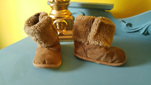 Joe baby ugg style boot size 5 fits like a 4