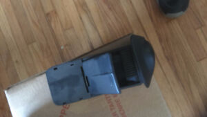 PARTS FOR 2000-03 FORD FOCAS--POWER MIRRORS--GRILL -- Windsor Region Ontario image 4