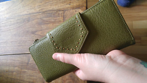 Matt & Nat vegan wallet! So awesome!