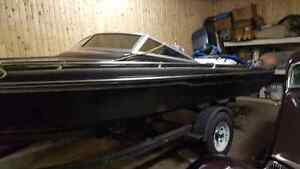 18' checkmate Black speed boat