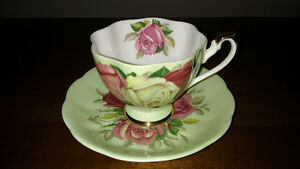 Bone China cups and saucers and creamer and sugar REDUCED Sarnia Sarnia Area image 3