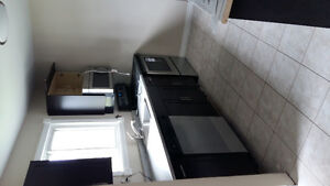 3 bed townhouse available June 1