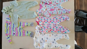 Baby girl 3 to 6 months clothers.